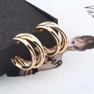 Gold tri small hoop earrings